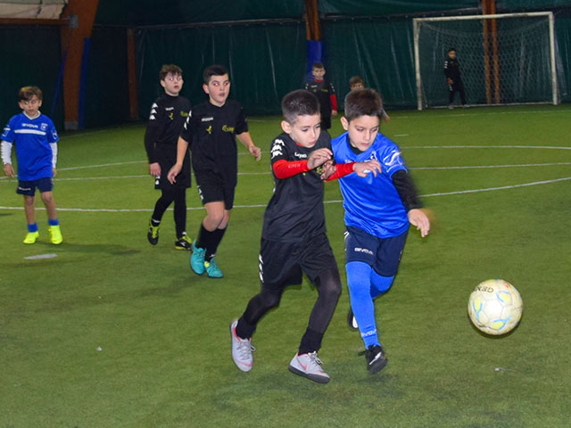 https://www.olimpiasport.it/wp-content/uploads/2019/02/calcio_bambini_1.jpg